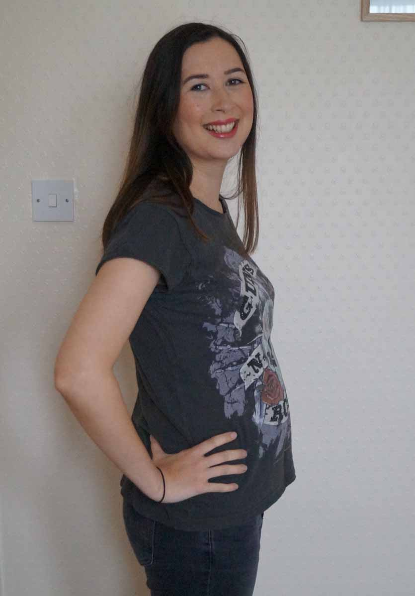 16 pregnant At 16 weeks pregnant, your baby's neck muscles and back bones are now stronger, meaning her head is more upright and her body is straighter find out more - babycentre uk.